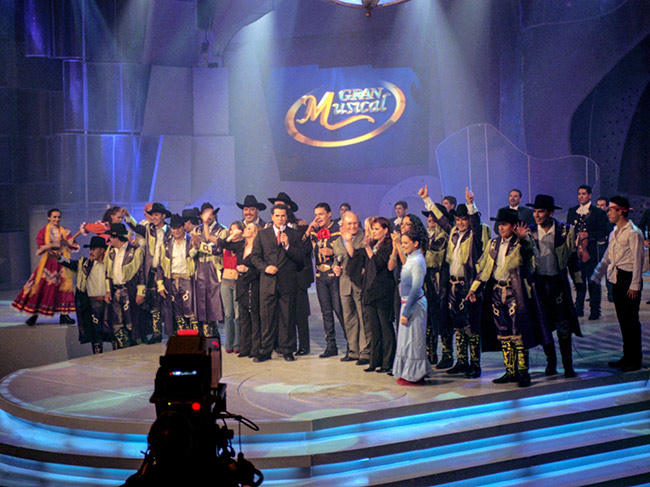 Despedida-al-final-del-programa-Gran-Musical
